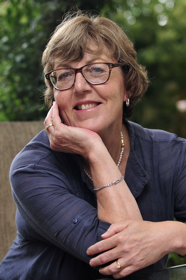 Marilyn De Villiers (32b)